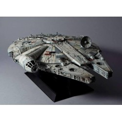 STAR WARS - Model Kit Perfect Grade - Millenium Falcon - 48cm 169871  Modelbouw