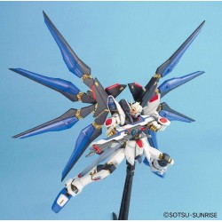 GUNDAM - Model Kit - MG 1/100 - Strike Freedom Gundam - 18 CM