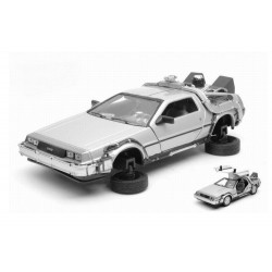 BACK TO THE FUTURE 2 - 1983 Delorean Flying Wheel Version 1:24 scale 160963  Back to The Future